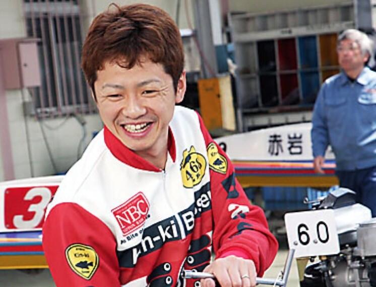 石野貴之競艇選手イケメン黄金ヘルメット20191
